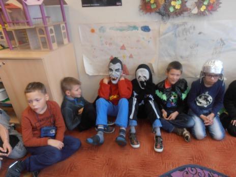 Halloween 2. B