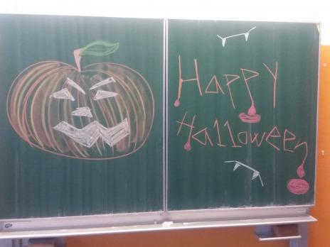 S Halloweenem celý den