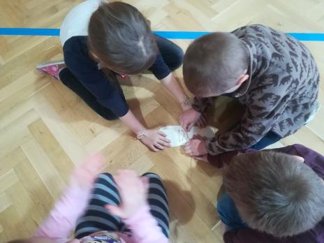 Rychlá tkanička - soutěž v zavazování tkaniček