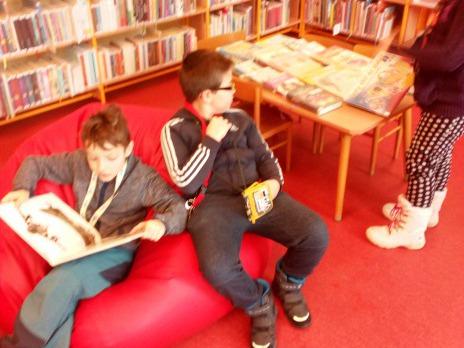 Stopovačka v knihovně