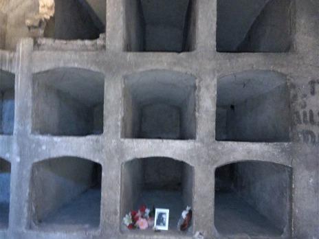 interiér krypty, fotografie duchovního Vladimíra Petřeka, který pečoval o parašutisty