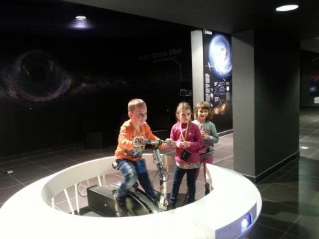 1. D v planetáriu Techmánie