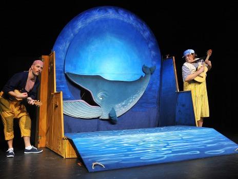 Kolíbá se velryba